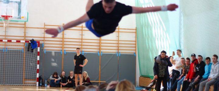 Pokazy gimnastyczne w ramach Festiwalu Nauki i Dni Otwartych Hotelarza